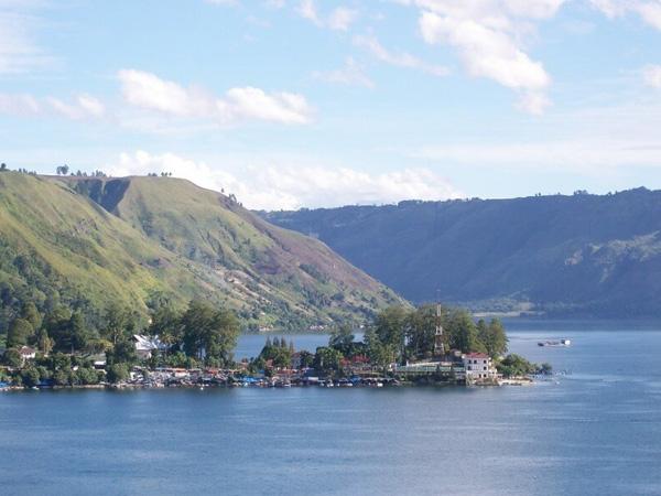 4 Hari 3 Malam Medan - Danau Toba - Berastagi Tour