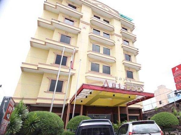 Grand Antares Hotel (Bintang 3)